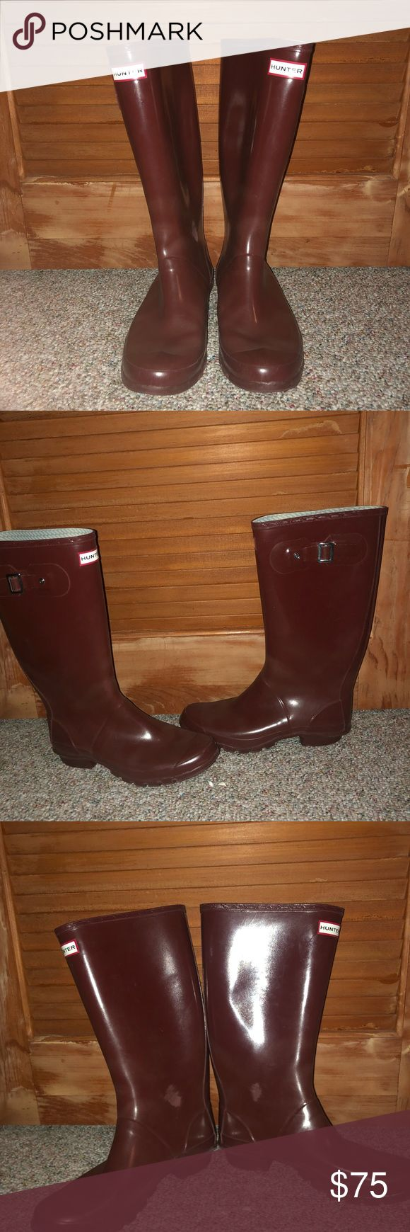 Burgundy / Maroon Hunter boots Huntress wide calf Burgundy/maroon glossy hunter boots! They are the huntress style which has a wider calf than usual. Scuffs on both boots where the ankles have rubbed against each other but unnoticeable when wearing. Some wear but good condition Hunter Shoes Winter & Rain Boots
