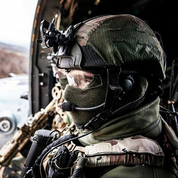 98 best soldats images on pinterest soldiers military guns and repost milforum repost frenchtactical oprateur du 1er rpima en concentration avant une malvernweather Images