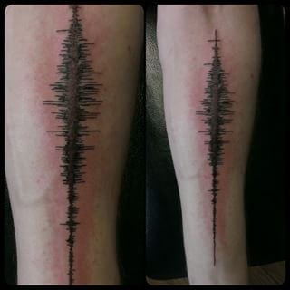 This sound wave tattoo that makes physics look so much cooler. | 21 Stunning Science Tattoos That Will Actually Make You Smarter