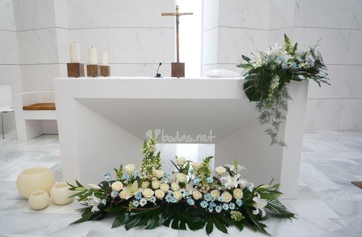 Decoracion Altar Iglesia ~ altar Arreglo Floral Para Iglesias, Flore Ideas, Arreglo De Iglesias