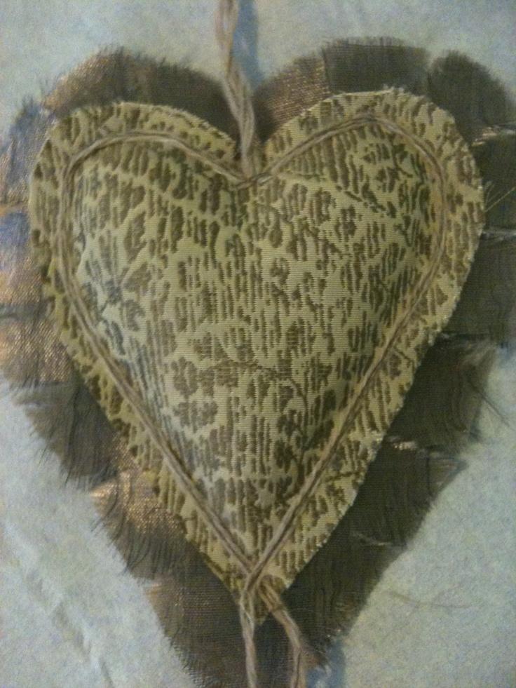 Gold Wicker Lavender Heart