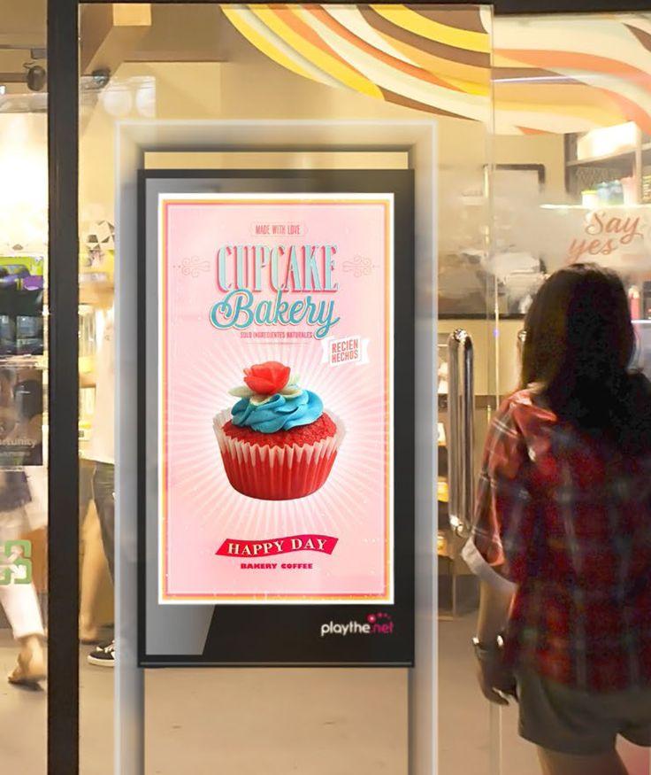 """Con este tótem playthe.net de escaparate de 55"""" para interior, los negocios serán mucho más visibles."""