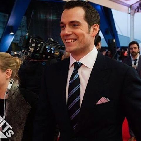 Henry Cavill presented an award at the @brits in London. Everything so far http://bit.ly/1Um3I3N
