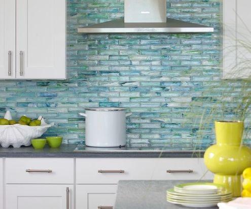 We have 20 Beautiful Beach Themed Kitchen Designs below that would be great to copy.  There are a variety of kitchens, with some coming in different styles, others with different colors, and some that can be recreated in any space.  We absolutely love bright coastal kitchens and we hope you like the ones we chose as well!