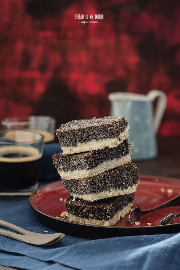 I am not sure about the authenticity of this birkeskage. Something similar might be served to you in many Eastern European countries, and even in German bakeries you can find varieties of this cake. I am still calling it Danish because it's from a Danish book written in Danish! Smart, hm?