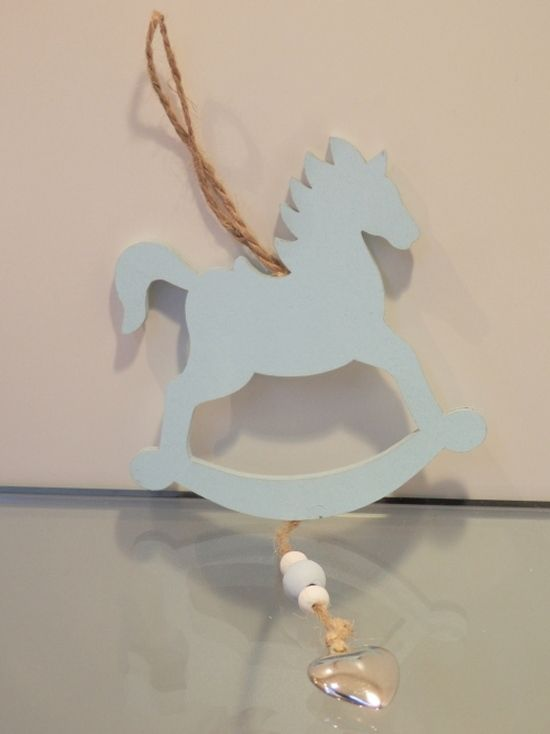 Κρεμαστο αλογακι με χαντρες και καρδια