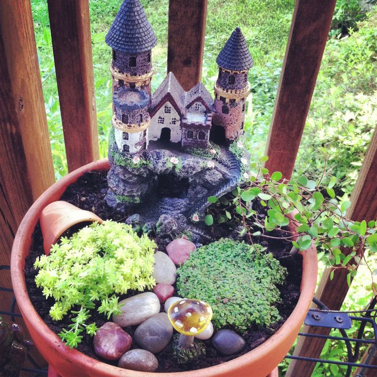 Incredible Broken Pot Ideas Recycle Your Garden: River Rocks, Succulents, An Overturned