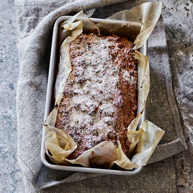 Ett lättbakat, saftigt bröd med havregryn, vetemjöl, rågmjöl och filmjölk. Smaksätt med mörk sirap, anisfrön, nötter och frön.