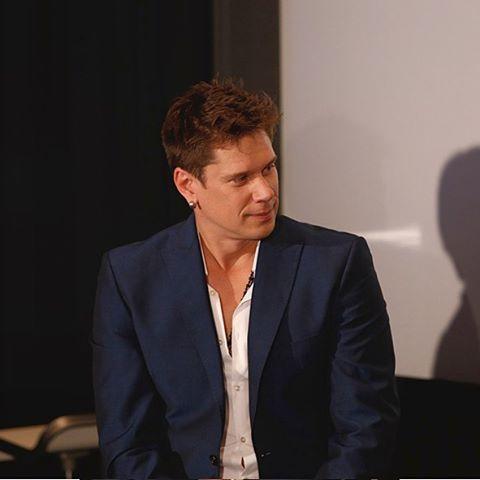 10.26.2015 ソニー本社内特別視聴会場 Heard there is such a thing as 'Man Crush Monday'. This is my crush. Not just the person but his voice, talent, personality and smile! - photo by Sony Japan #ManCrushMonday#MCM#DavidMiller#IlDivo#tenor#opera#singer#operaticpop#talent#whatavoice#myhero#love #イルディーヴォ#デイヴィッド・ミラー#テノル#オペラ#歌手#声楽家#クロスオーバー#ポペラ#才能
