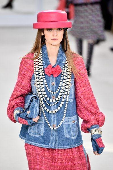 """Après Lily-Rose, une autre """"fille de"""" se fait remarquer chez Chanel"""