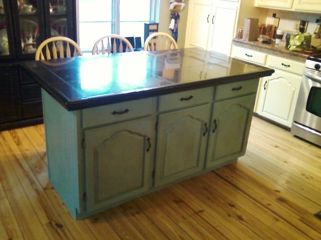 Kitchen island finished in duck egg using chalk paint for Duck egg blue kitchen island