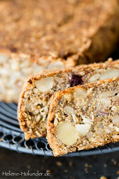 Brot ohne Mehl und Backtriebmittel, vegan, Helene Holunder