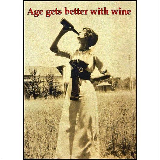 U hebt gehoord van de uitdrukking wijn beter met leeftijd krijgt? Nou ik heb besloten de achteruit versie is veel meer apropos. Wijn maakt ouder veel leuker!  Gelaagde afbeelding zorgt voor gemakkelijke reiniging (vochtige doek). Dikste magneet beschikbaar, ongeveer 1/16(.67 mm), waardoor het vasthouden van de afbeelding zo sterk als het bericht dat wordt verzonden. Alle magneten zijn hand-cut.  Als u meer magneten wilt dan er beschikbaar zijn, stuur me een convo en ik zal zweep een…