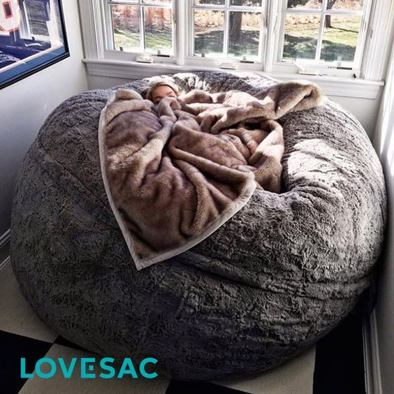 Elevate your nap game to the next level. Oh God in my dream home, I'd have a cosy reading room with one of these