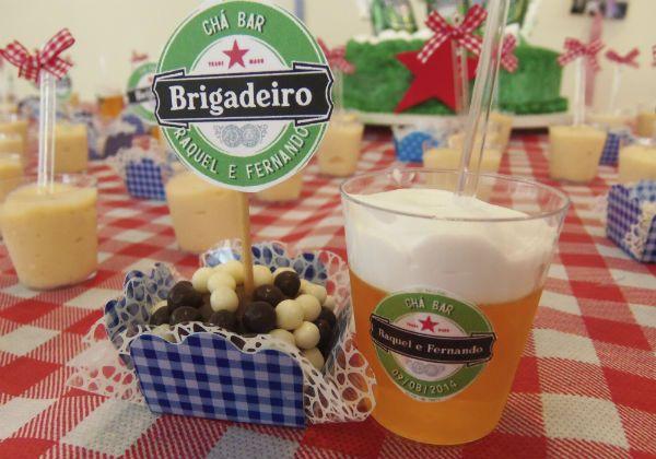 cha-bar-tema-boteco-salao-do-predio-churrasco-caixas-de-cerveja-na-decoracao (4)