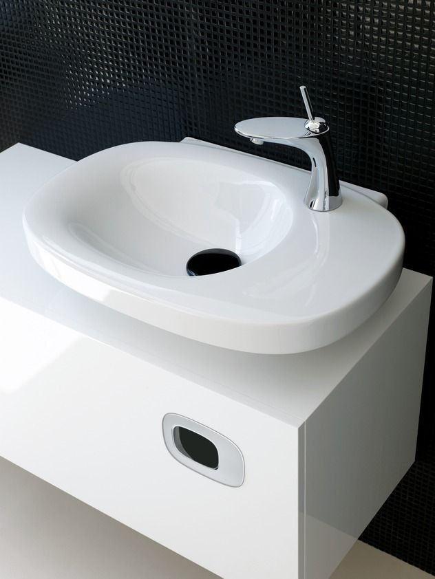Neil And Jackie Used Laufen Bathroom Suppliers For Many Of Their Fixtures Beautiful Modern Simple Design