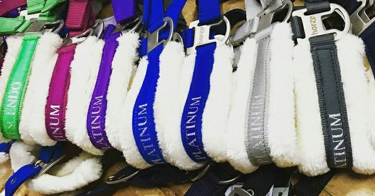 Faites le plein de couleur avec ces licous Horze : noir, bleu mari, gris foncé, gris clair, bleu royal, bleu, mauve, framboise, vert ! Alors quel est votre couleur préférée ?