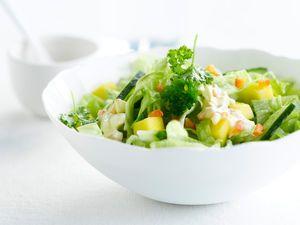 Découvrez la recette Salade de concombre sur cuisineactuelle.fr.