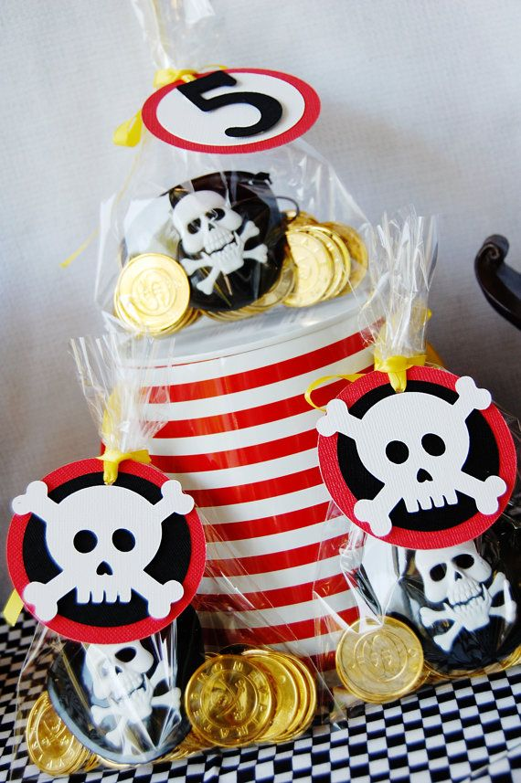 Pirate Party Birthday by http://pinwheellane.etsy.com