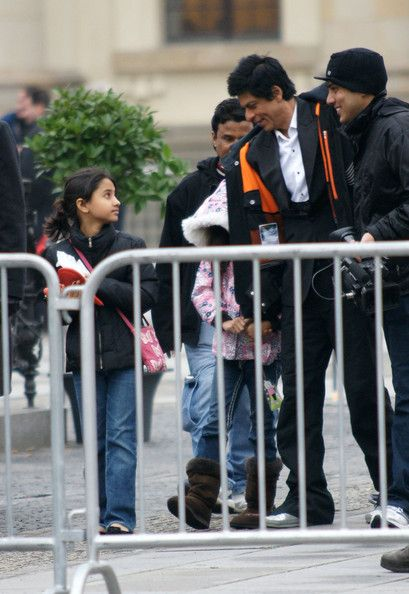 "Shahrukh Khan films his new film ""Don 2"" at Gendarmenmarkt in Berlin. Today he celebrates his 45th birthday and his family was on set with him. November 3, 2010 - Source: FlynetPictures.com"