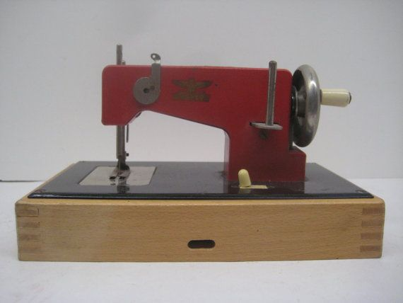 Vintage Casige Child's Sewing Machine // Red // Battery ...