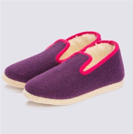 Vous avez envie de chaussons chauds et confortables ? Optez pour la pantoufle charentaise proposée par La Ferme du Mohair.