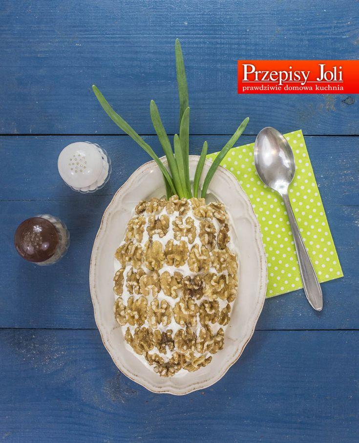 SAŁATKA WARSTWOWA ANANAS - wytrawna sałatka w kształcie ananasa. Pyszna!