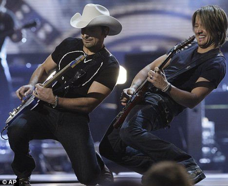 Keith Urban Love Songs | Rock on: Brad Paisley and Keith Urban raised the roof with their ...