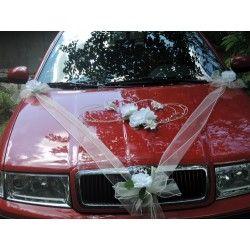 """Dekorace na auto """"Bílé růže, srdce a šerpa"""""""
