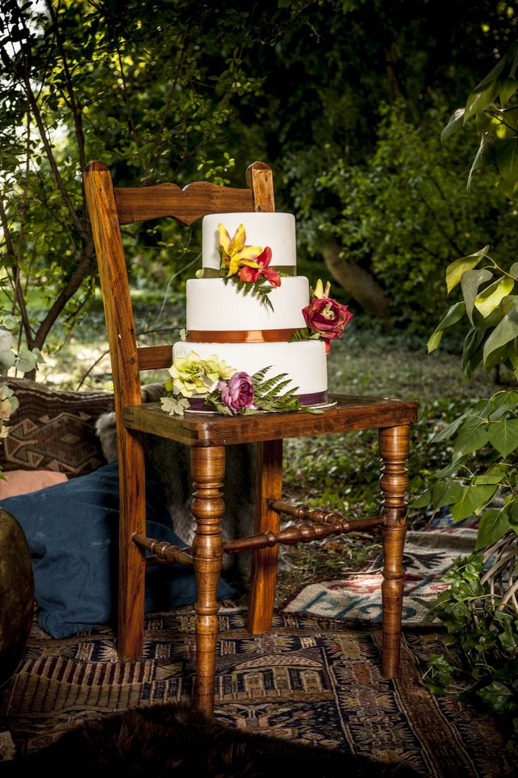 Outdoor bohemian wedding  Wedding cake
