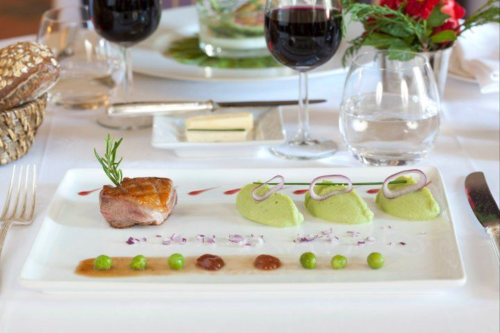 Pavé de saumon et mousselines de pois, luxury cooking courtesy of Le Logis Saint-Martin #luxurydining #foodie #hotel #France