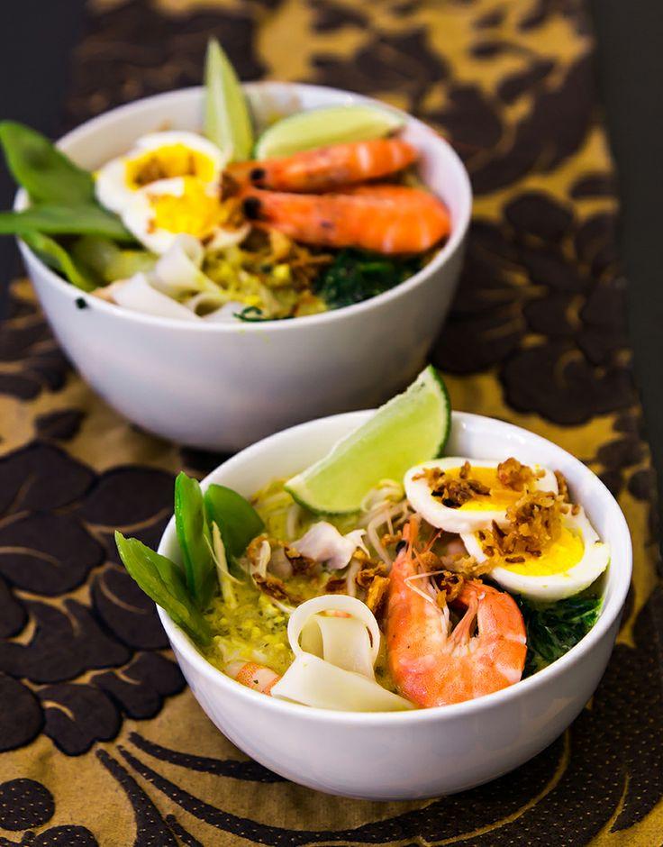 Laksa Lemak - Zuppa di pollo gamberi e cocco con tagliatelle di riso.  #Ricetta malese