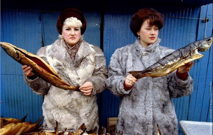 Women selling fish in the market Petropavlovsk-Kamchatsky Russia March 1993 http://ift.tt/2wni3rz
