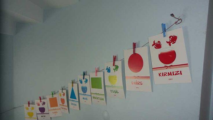 Okul öncesi renk kartonları duvar panoları