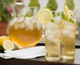 """Southern Iced Tea-Replace """"Splenda"""" with xylitol to taste. Enjoy this refreshing drink this summer! Re-pin and share!"""