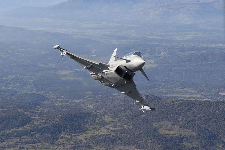 El Eurofighter Typhoon es una avión de combate multirol, bimotor y con un ala delta, diseñado para cumplir las necesidades de los países europeos que participaron en su construcción,  actualmente es encuentra entre los aviones de guerra más modernos en el mundo.