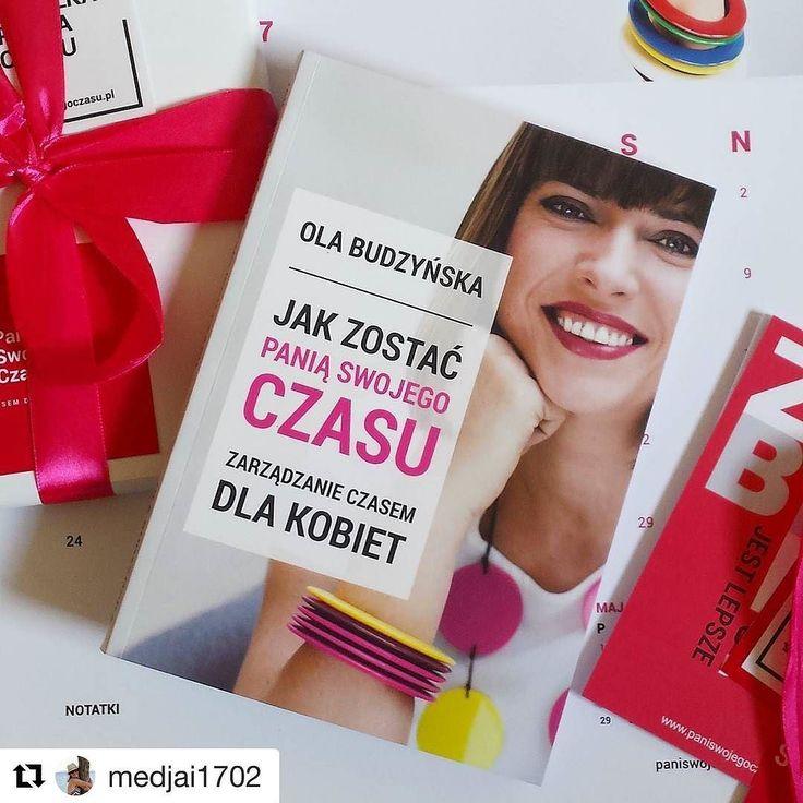 Dzisiaj Instagram został zalany zdjęciami mojej książki co mnie napawa niezwykłą dumą. Przyznam że #gangPSC naprawdę nieźle się natrudził żeby przesyłka wzbudziła Wasz zachwyt. Tak pięknie #ksiazkapsc prezentuje się u @medjai1702  #psc #paniswojegoczasu #ksiazkapsc #ksiazkapaniswojegoczasu #ksiazka @ksiazki #książka #książki #czytam #czytamy #czytambolubie #czytambolubię