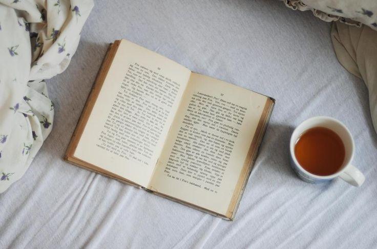 """""""Ogni lettore, quando legge, legge se stesso. L'opera dello scrittore è soltanto una specie di strumento ottico che egli offre al lettore per permettergli di discernere quello che, senza libro, non avrebbe forse visto in se stesso.""""  /Marcel Proust./"""