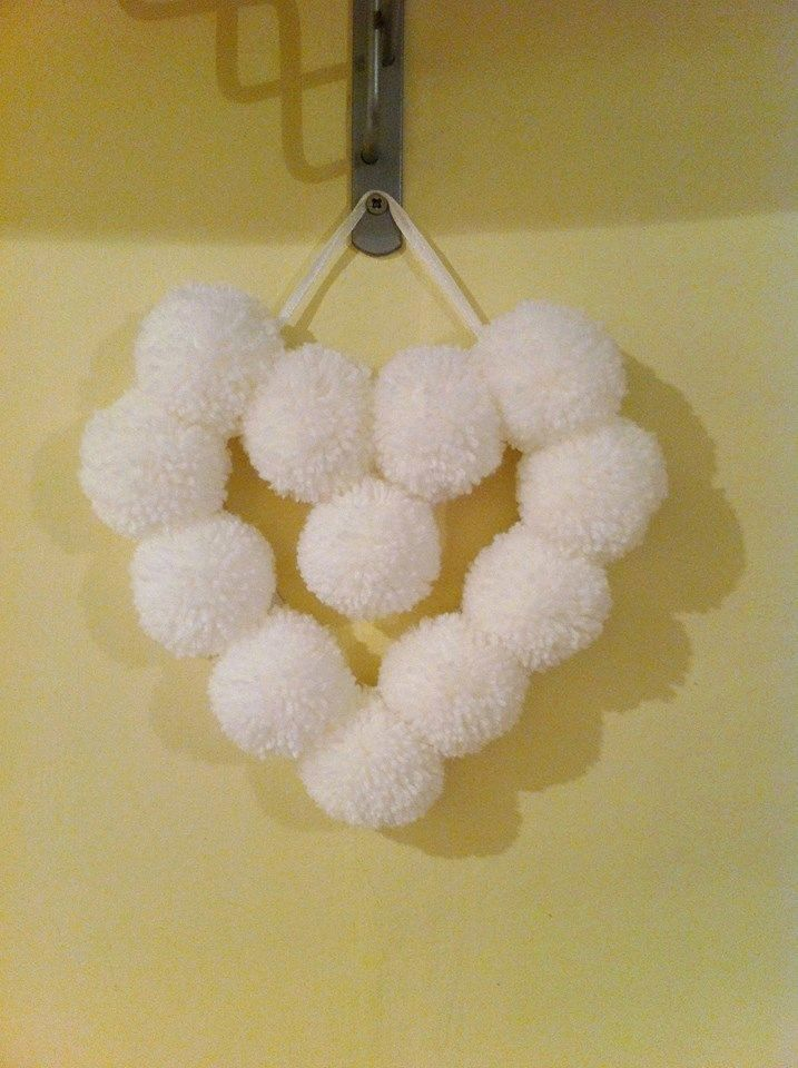 pompom heart, wedding heart, wedding decoration