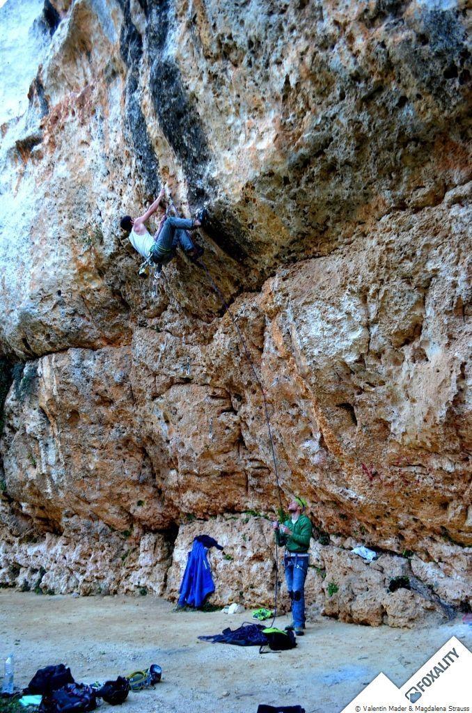 Alle Bilder von Magdalena Strauss Hä, du gehst Eisklettern!?!? oder Malta, Felsklettern? Nie gehört. So oder so ähnlich waren die meisten Reaktionen u...