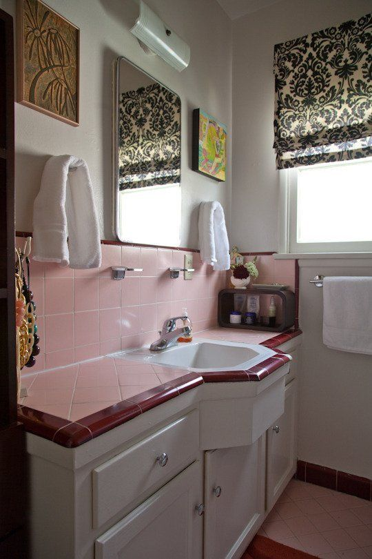 73 best what to do with a 50 39 s pink bathroom images on pinterest. Black Bedroom Furniture Sets. Home Design Ideas