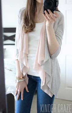 Stitch Fix Stylist: Brixon Ivy Pinson Drape Cardigan. This cardigan would be perfect for spring and my upcoming trip. I love the soft colors too.