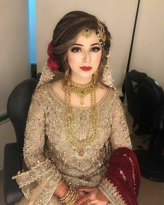 Golden Embroidered Muslim Wedding Dress Pakistani Bridal Hairstyles Bridal Dresses Pakistan Pakistani Bride Hairstyle