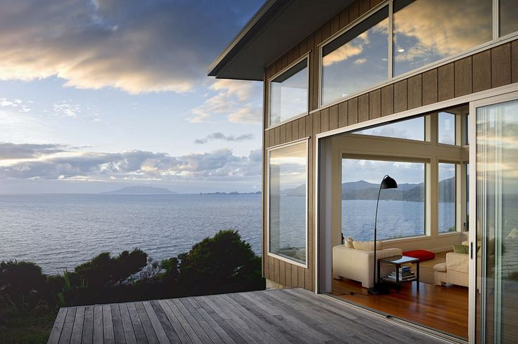 XSPOT cliff-top eco-holiday apartment for two 4WD in Tryphena, Great Barrier…