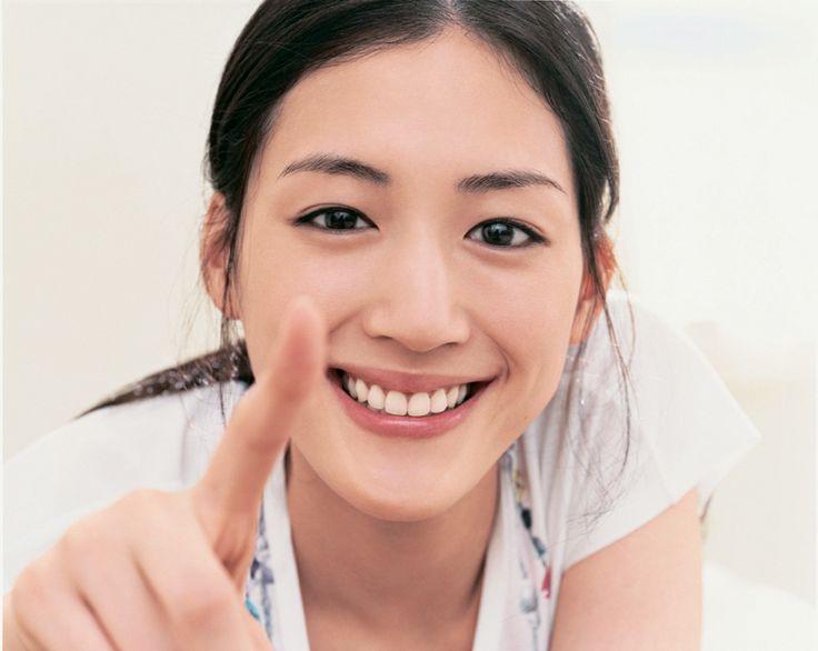 綾瀬はるか風メイクで、綾瀬はるかの雰囲気を持った「私」を作ろう! アイライン
