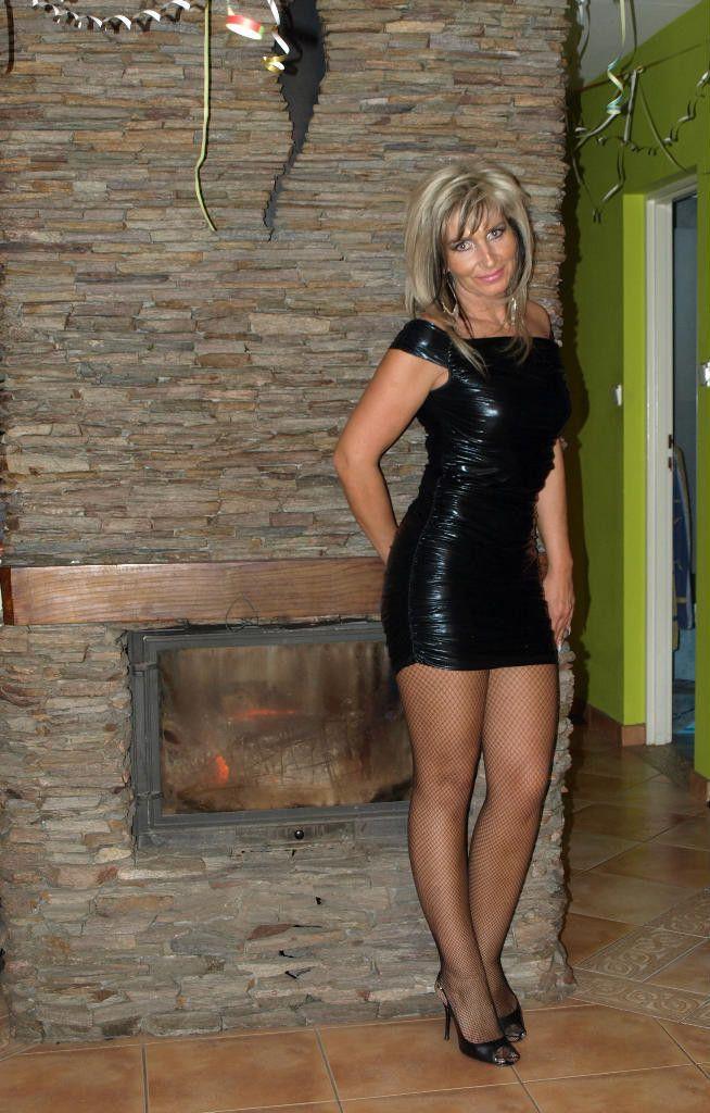 Black Dress Milf Pics 52