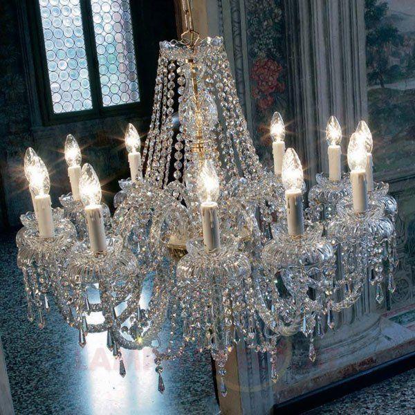 #Faszination, #Pracht und funkelnde #Lichtmomente dank unzähliger #Bleikristalle - der 12-flammige #Kristall - #Kronleuchter PRINZESSIN gibt jedem Raum königlichen #Glanz.