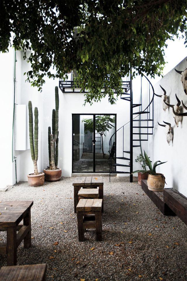 9 Amazing Outdoor Spaces You'll Dream About This Summer (Bloglovin' Home)