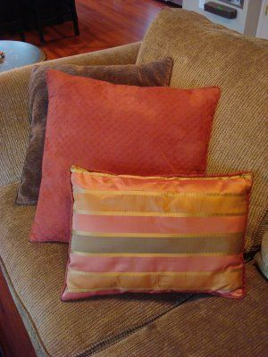 Been wanting new pillows for the LRs, but don't want to pay 70+ dollars. Here's how to make pillows from nice placemats.