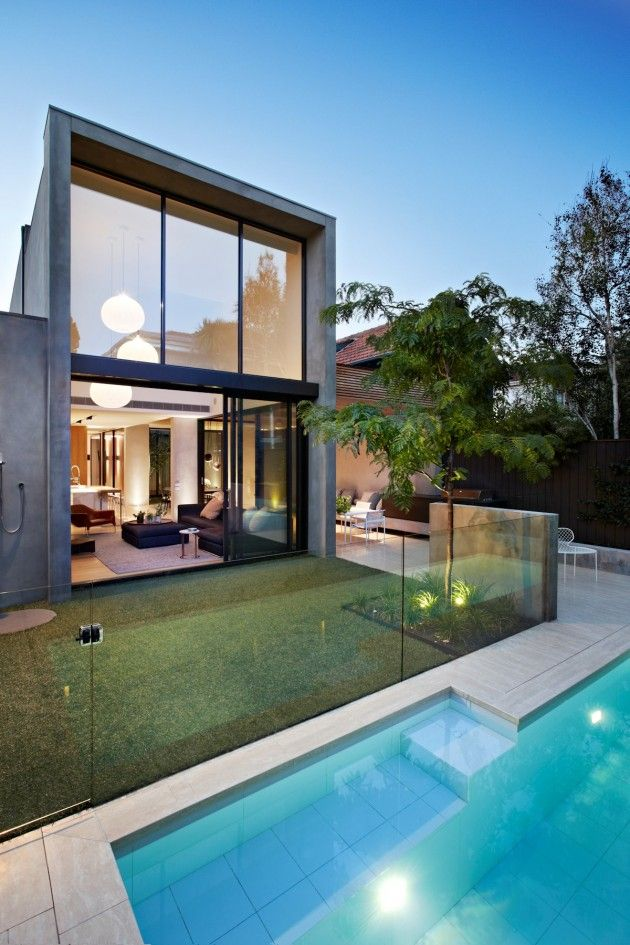 AGUSHI Builders and Workroom Design have collaborated to complete an inner city house in South Yarra, a suburb of Melbourne, Australia.